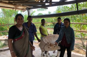 Mrs. Kala Peries with the dairy farmer